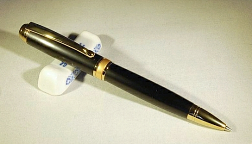 Mistral pencil kit with titanium gold fittings and black chrome accents accents - 0.7mm leads