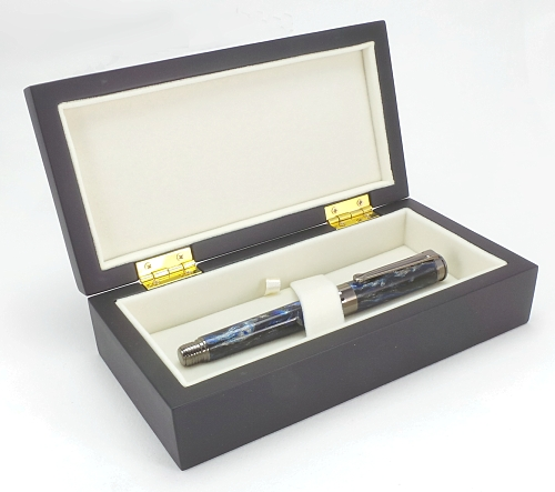 Premium quality satin lacquered pen box
