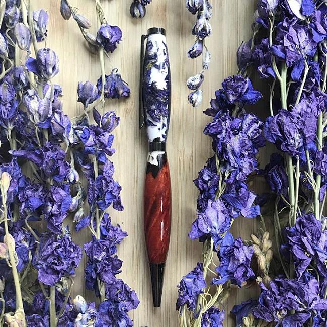 Royal Bouquet Flower Girl acrylic pen blank No12